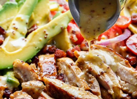 Ensalada de pollo, aguacate y miel -portada